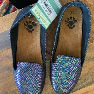 Dawgs Metallic/ Iridescent lizard pattern Flats